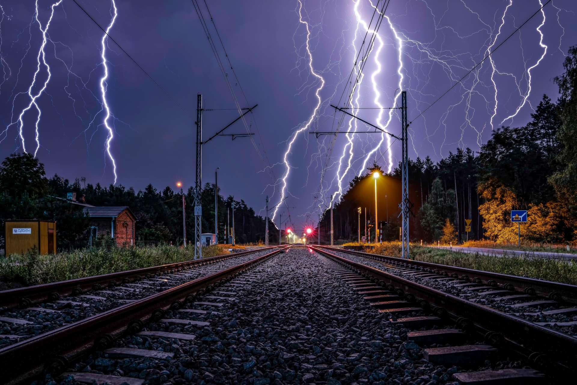 tory kolejowe - burza